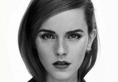 Já pensou trombar com nada mais, nada menos, que a Emma Watson pelo campus?