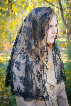 Evintage Veils~Traditional D Shape Black Chantilly  Lace Mantilla Chapel Veil~ Two Lengths! by EvintageVeils on Etsy