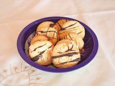 Weihnachtsplätzchen mit Mandel und Nougat   KleineLoeffelHase Cookies, Baking, Desserts, Food, Baking Cookies, Sheet Pan, Sliced Almonds, Christmas, New Recipes