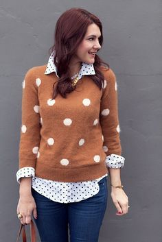 Big polka dots over little polka dots - I don't like the polka dot sweater's color but I like the layered look with the rolled up sleeves and collar. Looks Style, My Style, Look Fashion, Womens Fashion, Fashion Shoes, Girl Fashion, Mode Chic, Mode Outfits, Mode Inspiration