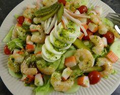 Maaltijdsalade met garnalen en surimi Potato Salad, Shrimp, Salads, Brunch, Food And Drink, Low Carb, Potatoes, Chicken, Meat