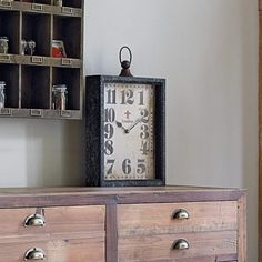 I love this clock!  Wish I could find it in the states.