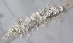 Marfil encaje nupcial faja, cinturón de Novia de Marfil, diamantes de imitación y marco flores perla en crema - CHANNING