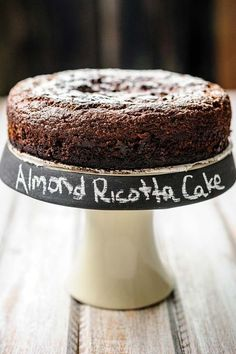 This delicious Gluten-free Almond Ricotta Chocolate Cake is easy to make. It's moist, dense, flavourful, and healthy. It's filled with healthy ricotta and almonds, has very little sugar and no oil or (Ricotta Pancake Easy) Gluten Free Sweets, Gluten Free Cakes, Gluten Free Baking, Gluten Free Recipes, Whole30 Recipes, Foods With Gluten, Sans Gluten, Cake Recipes, Dessert Recipes