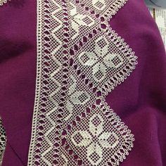 HUZUR SOKAĞI (Yaşamaya Değer Hobiler) Seed Bead Tutorials, Beading Tutorials, Crochet Stitches, Knit Crochet, Creative Embroidery, Needle Lace, Seed Beads, Diy And Crafts, Patches