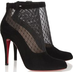 """Lindsay Lohan Stuns in Towering Christian Louboutin """"Resillissima"""" Boots"""