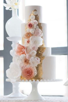 I truly, absoLUTELY need this cake for my wedding -- Pink & Gold Dessert Table | by Hey There, Cupcake!  | on TheCakeBlog.com