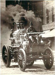 Engine 35 self propelled Amoskeag Steam Fire Engine