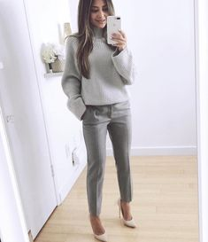 25 Beautiful Business Casual Outfits to Wear During Winter - Work Outfits Women - Business Attire Office Outfits Women, Winter Outfits For Work, Mode Outfits, Fashion Outfits, Chic Outfits, Winter Office Outfit, Summer Office, Classy Outfits, Summer Outfits