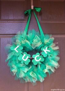 This tulle wreath is just too cute for St. Patrick's Day!