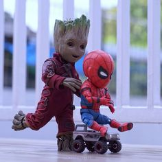 groot and spiderman Thanos Marvel, Marvel Art, Marvel Heroes, Marvel Characters, Marvel Avengers, Disney Drawings, Cute Drawings, Baby Spiderman, Groot Guardians