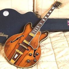 American Rosewood Beauty: 1970 Gibson Crest #: @guitarcult #alternatetone