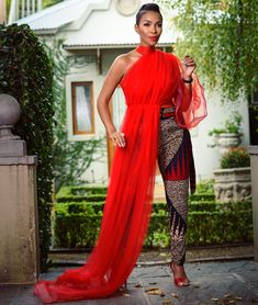 modern african fashion looks stunning . Africa Fashion, African Print Fashion, African Fashion Dresses, Fashion Prints, Ankara Fashion, Modern African Fashion, African Outfits, African Inspired Fashion, African Prints