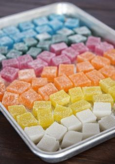 Fruit Gummies Homemade Gummy Candies: These look like the cubes that Kirk & Spock eat on Star Trek.Homemade Gummy Candies: These look like the cubes that Kirk & Spock eat on Star Trek. Yummy Treats, Sweet Treats, Yummy Food, Just Desserts, Dessert Recipes, Do It Yourself Food, Homemade Candies, Homemade Gummies, Homemade Candy Recipes