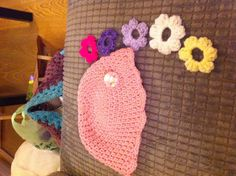 Girly hat with changeable flowers