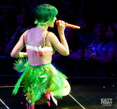 The O2 Arena in London, England - 05.30 [HQ] - 14353327274 2be0dc4bf5 o - Katy Perry Brasil Photo Gallery