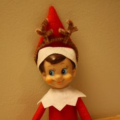 Elf on the Shelf reindeer antlers made from pipe cleaners