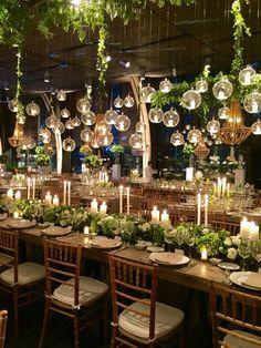 Оформление стола в цвете Greenery