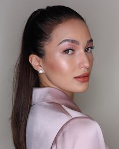 8 Celebrity Approved Hairstyles To Try This Holiday Season - Sarah Lahbati Celebrity Makeup Looks, Celebrity Beauty, Beauty Makeup, Hair Makeup, Hair Beauty, Makeup Inspo, Sarah Lahbati, Stunning Makeup, Amazing Makeup