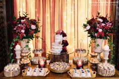 Festa Mini Wedding Marsala by Decore & Comemore // Ideia para casamento com decoração intimista.