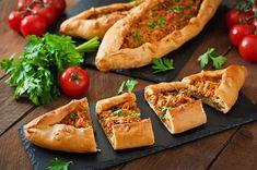 Kabuli Pulao, Turkish Pizza, Garlic Roasted Potatoes, Food Carving, Iranian Food, Dry Yeast, Naan, Bruschetta, Baked Potato