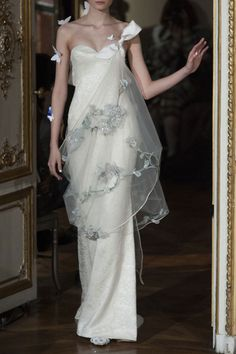 Wedding Dress Designers & Inspiration : Alexis Mabille at Couture Spring 2014 Style Couture, Couture Fashion, Runway Fashion, Beautiful Gowns, Beautiful Outfits, Gorgeous Dress, Bridal Gowns, Wedding Gowns, Evening Dresses