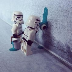 Painting #painting #color #colour #green #paint #hardworking #starwars #starwarslegos #starwarslego #lego #legostarwars #minifigures #minifigure #stormtrooperlife #stormtrooper #iphonography #bob #365project #day299 Star Wars Lego, Theme Star Wars, Star Wars Art, Ps Wallpaper, Whatsapp Wallpaper, Lego Humor, Lego Memes, The Trooper, Storm Troopers