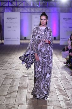 #AIFWSS16 #SPACE #AnaMika #fashiondesign #fashionweek #rampwalk #outfits #costumes #white #cap #sporty #oversized #overflow #exaggerate #fluid #comfortable #resortwear #daywear #dayout #summer #spring #minimalist #smart #cool #bag #shoes #run #OnTheGo #prints #saree #modern #traditional #experiment #neat #different