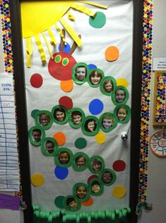 ideas for classroom door decorations kindergarten decorating ideas Kindergarten Door, Preschool Classroom, Classroom Themes, Classroom Door Displays, Infant Classroom Ideas, Classroom Board, Preschool Graduation, Eric Carle, Hungry Caterpillar Classroom