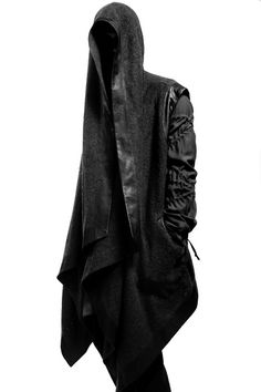 Sasha Reheyol @ Major Models by Mathhew Pandolfe Clothing Amy Conte | looks like a modern day nazgul =p