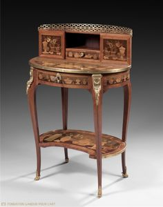 CHARLES TOPINO (STAMPED) Bonheur-du-jour with Chinese-style objects Circa 1750-1775 Oak frame, rosewood, sycamore and amaranth veneer, fruit tree wood marquetery, and gilt bronze