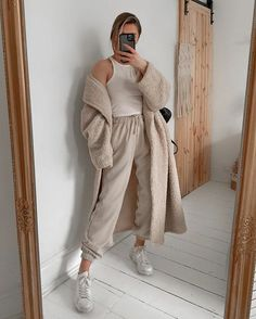 Hipster Stil, Style Hipster, Shorts Outfits Women, Short Outfits, Biker Outfits, Cap Outfits, Rock Outfits, Look Fashion, Fashion Outfits