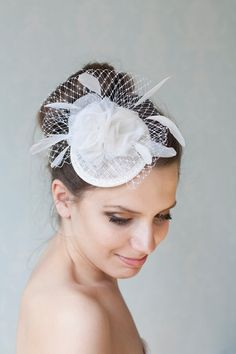 Bridal Flower Hat with Roses, Veiling and feathers, Cocktail Hat, Bridal Bow Headpiece, Millinery Sinamay Hat, Bridesmaid Fascinator