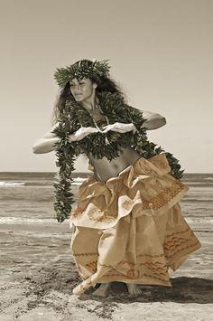 0fec65380b45 Hawaiian Wahine Hula Hawaiian Dancers, Cultural Dance, Hula Dancers,  Hawaiian Woman, Polynesian