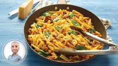 Try this one-pan pasta with sausage and spinach recipe from Stefano Faita. Spinach Recipes, Pasta Recipes, One Pan Pasta, Confort Food, Bolognese Sauce, Sausage Pasta, One Pot Meals, Healthy Cooking, Rice