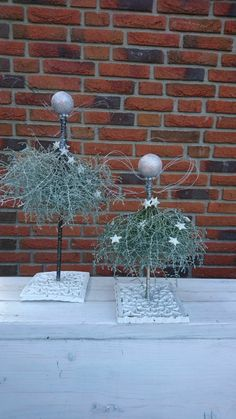 Top Scandinavian Christmas decoration - Christmas party - All about ChristmasMinimal Scandinavian wreath with black ball - super minute in the microwave or 2 hours at 200 degrees in the oven. KILL BUGS BEFORE Christmas Angels, Christmas 2019, Christmas Home, Christmas Holidays, Christmas Wreaths, Christmas Ornaments, Scandinavian Christmas Decorations, Outdoor Christmas Decorations, Holiday Decor