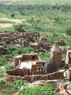 A Dogon village in Mali by tleef