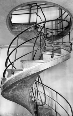 An art deco staircase in the partially restored Casa O.N.B. poi G.I.L. Forlì, Italy. Designed by Cesare Valle and completed in 1935