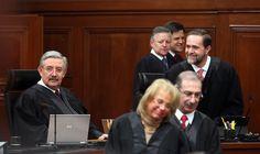 MÉXICO, D.F. (apro).- El director del Canal Judicial, Enrique Rodríguez Martínez, presentó su renuncia en medio de una investigación interna por acoso sexual y laboral y tras el inicio de una indag...