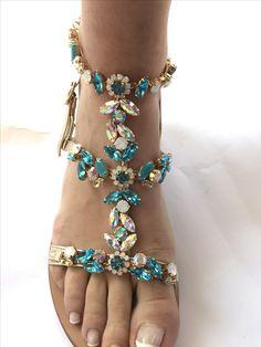 Wedding Flip Flops, Sparkly Sandals, Designer Sandals, Pretty Shoes, Flat Sandals, Me Too Shoes, Fashion Shoes, Shoe Boots, Slippers