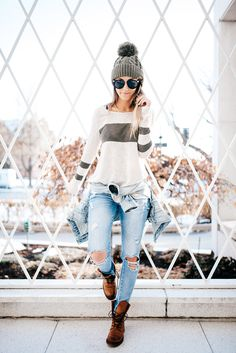 Jacket: Here Top: Pink Lily Boutique Jeans: Zara Shoes: Frye Beanie: Pink Lily Boutique Sunnies: Karen Walker Photos: Paige Nicolle And I'm off to the Super Bowl! Let's be real.. I'm the last person to even like the Super Bowl but hey, it's a fun adventure and I love San Fransico. I'll most likely beContinue reading