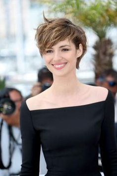 Short messy pixie haircut hairstyle ideas 42