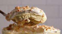 Perfect Banana Pudding COOKIE - LIGHT SUGAR BISCUIT OR SPONGE FINGER DOUSED IN VANILLA.    N.B: CHANGE BANANA TO CARAMEL AND NUTS......MAYBE...