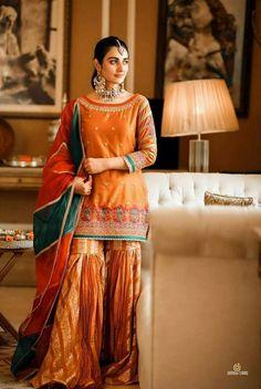 Asian Wedding Dress Pakistani, Pakistani Party Wear Dresses, Beautiful Pakistani Dresses, Designer Party Wear Dresses, Wedding Dresses For Girls, Pakistani Dress Design, Pakistani Outfits, Party Dresses, Pakistani Gharara