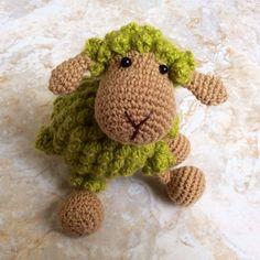 Preparando los nuevos tutoriales :)  Ovejita tejida a crochet!