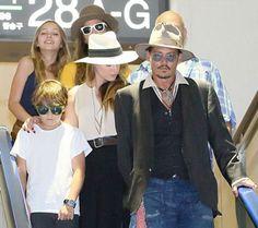 Johnny Depp: Μετά τέκνων και Amber στο Τόκιο