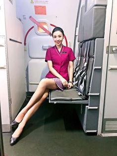 【China】 China Southern Airlines cabin crew / 中国南方航空 客室乗務員 【中国】 Flight Attendant Hot, Airline Attendant, Flight Girls, China Southern Airlines, Airline Cabin Crew, Airline Uniforms, Female Pilot, Attendance, Sexy Stockings