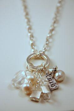 First-rate Dainty jewelry making,Jewelry necklace set and Handmade jewelry videos. Wire Jewelry, Pendant Jewelry, Jewelry Crafts, Beaded Jewelry, Jewelry Necklaces, Jewelry Ideas, Pendant Necklace, Silver Jewelry, Jewelry Armoire