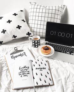 Regardez cette photo Instagram de @ardaisy_ • 1,887 J'aime Zara Young, Halloween Donuts, Photo Instagram, Instagram Posts, Study Motivation, November 1st, Future House, Blogging, Favorite Things