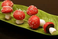 Sweet & Splendid: meringue mushrooms